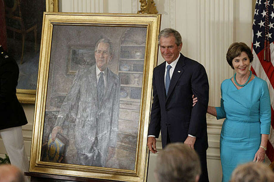 Government officials won't be allowed to spend any of this budget's money on official portraits. Photo: AP