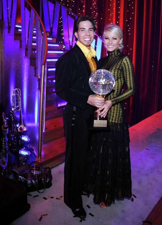 Apolo Anton Ohno was crowned champion and awarded the coveted mirror ball trophy with his professional partner, Julianne Hough. Photo: CAROL KAELSON, Getty Images / © 2007 American Broadcasting Companies, Inc. All rights reserved. NO ARCHIVE. NO RESALE.