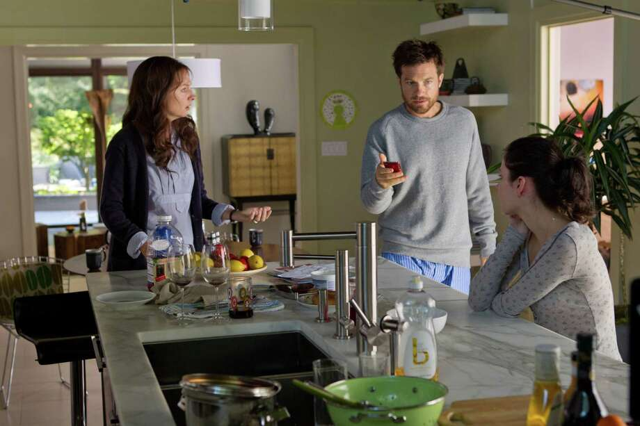 "Jason Bateman, Hope Davis and Haley Ramm in Henry-Alex Rubin's ""DISCONNECT"" Phil Bray/ LD Entertainment Photo: Phil Bray"