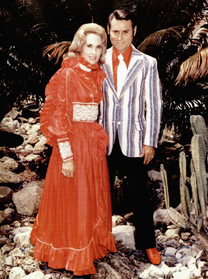 """""""Golden Ring"""" (with Tammy Wynette) (1976)  Photo: GAB Archive, Getty Images / Redferns"""