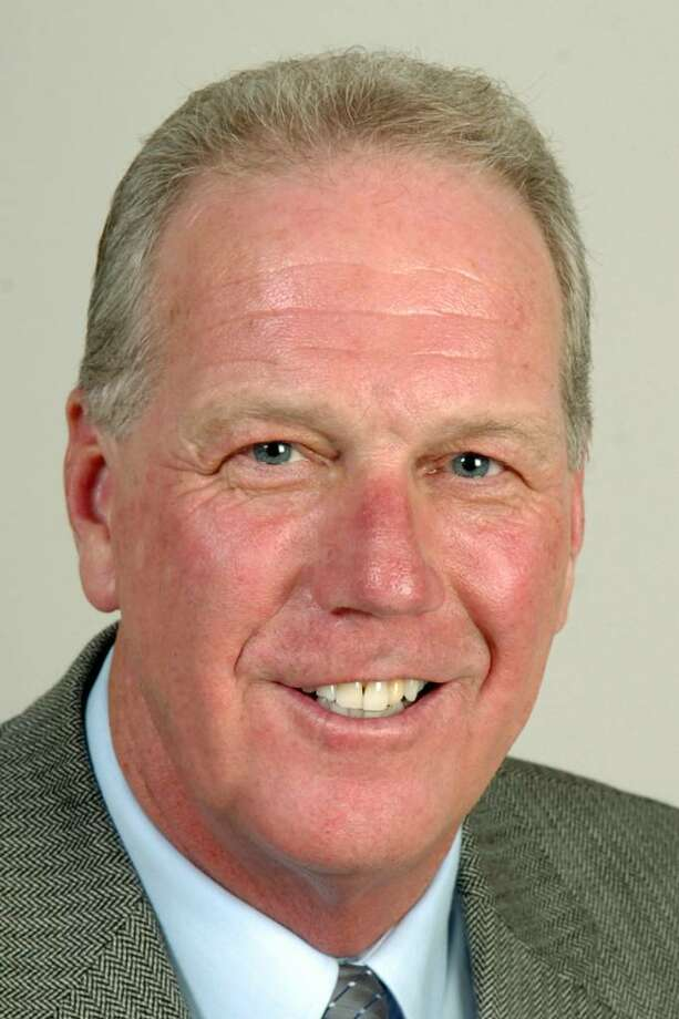 Former Trumbull First Selectman Ray Baldwin in 2009. Baldwin served from 2001-2009. Photo: Ned Gerard / Connecticut Post