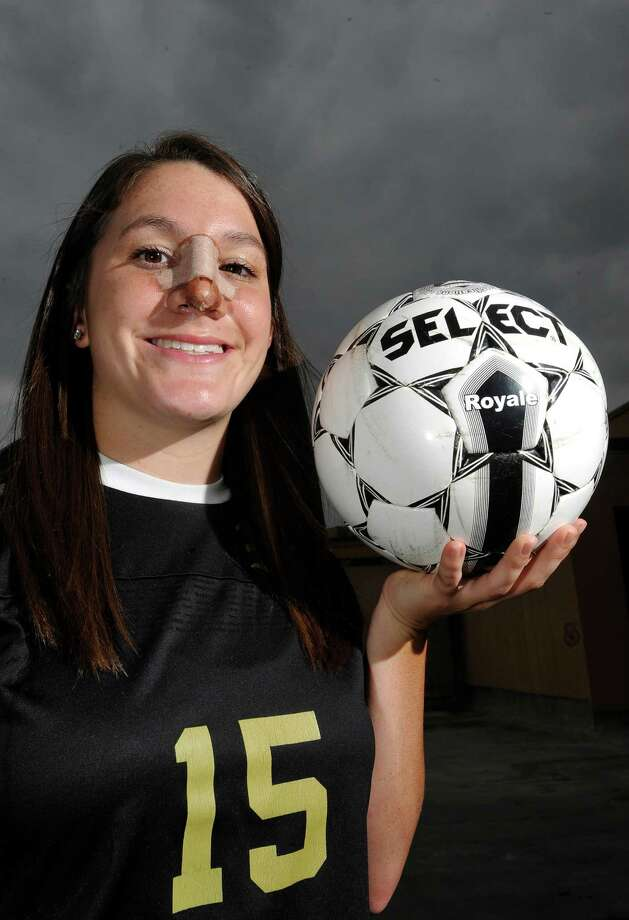 Nederland's Felicia Sauceda is the 2013 girls Super Gold Soccer MVP of the Year.  Dave Ryan/The Enterprise Photo: Dave Ryan