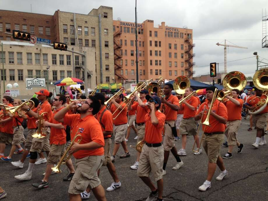 The UTSA band performs at the parade.