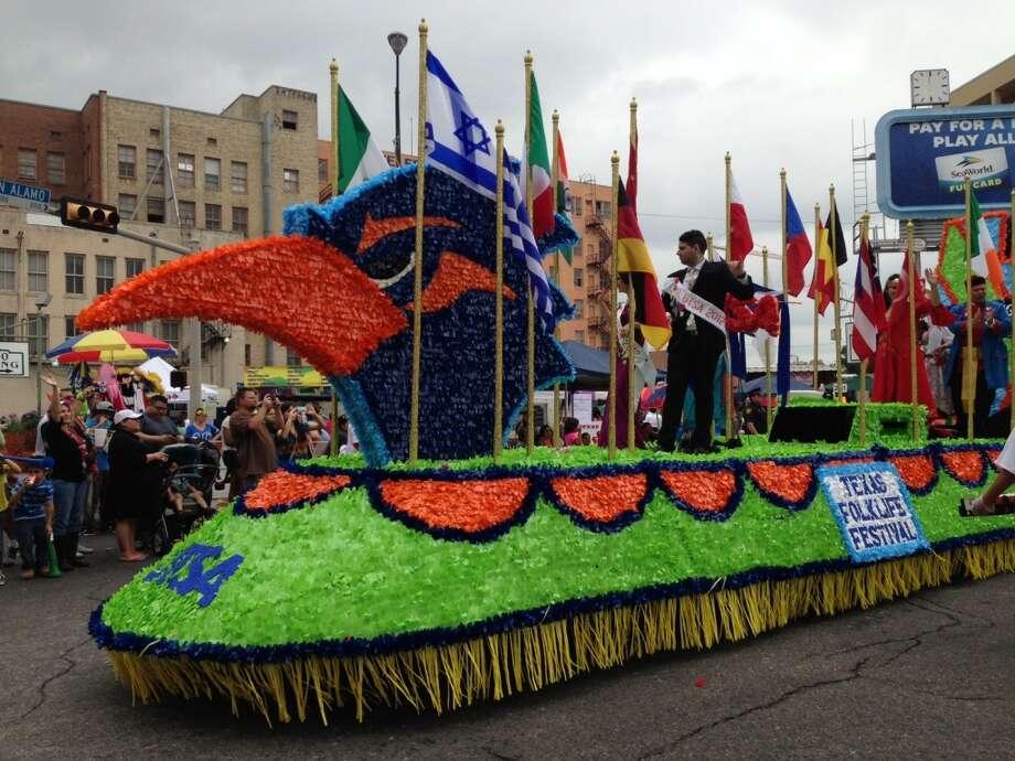 The UTSA Folklife Festival float.