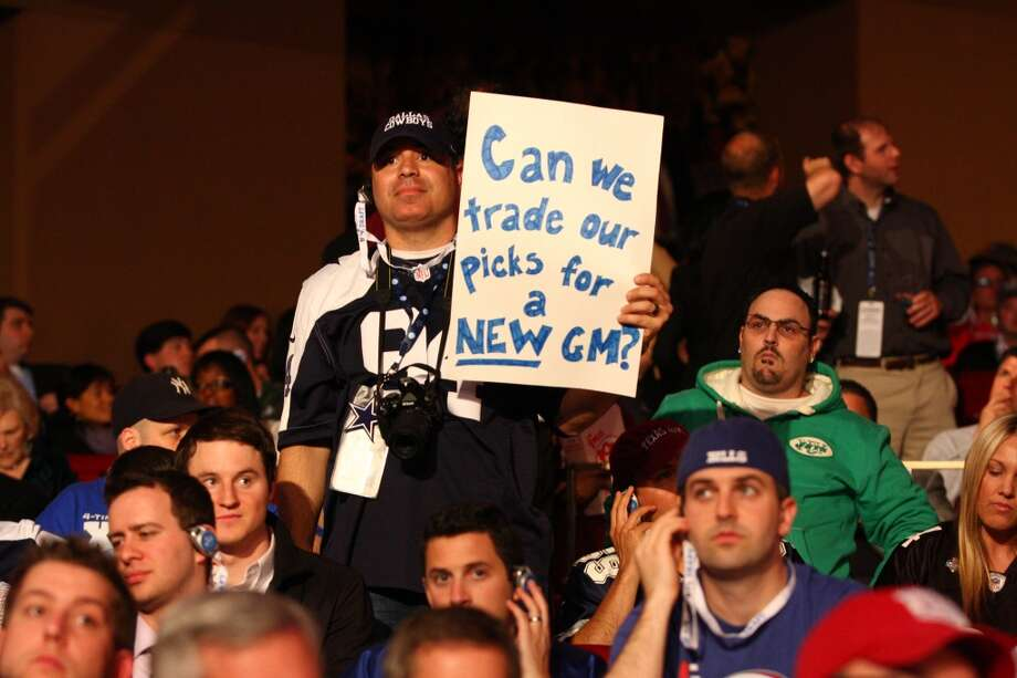 A fan wants a new general manager.