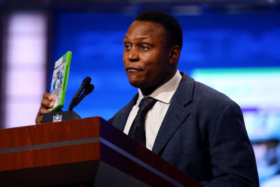 Madden 25 Cover Player, Pro Football Hall of Famer and former Detroit Lions running back Barry Sanders announces the Detroit Lions first round pick.