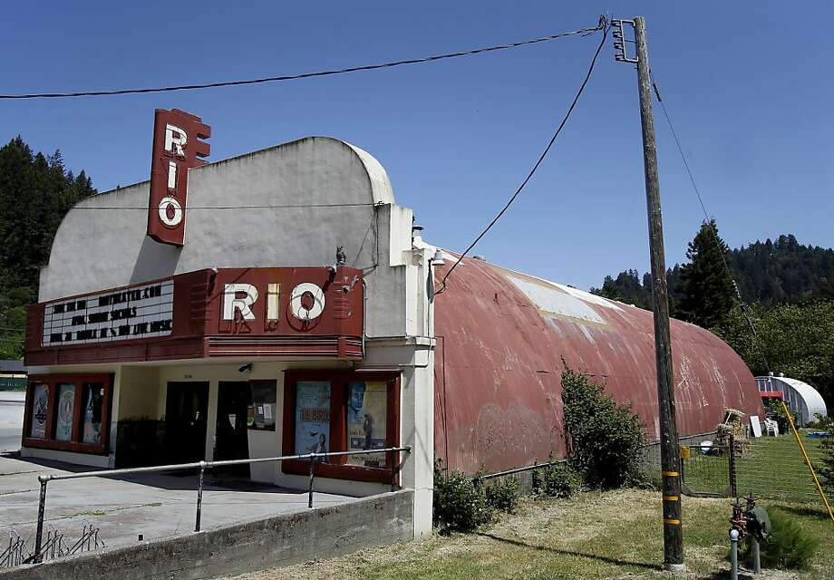 The Rio Theater is housed in a Quonset hut, a prefabricated, cylindrical, steel World War II-era building.  Photo: Brant Ward, The Chronicle