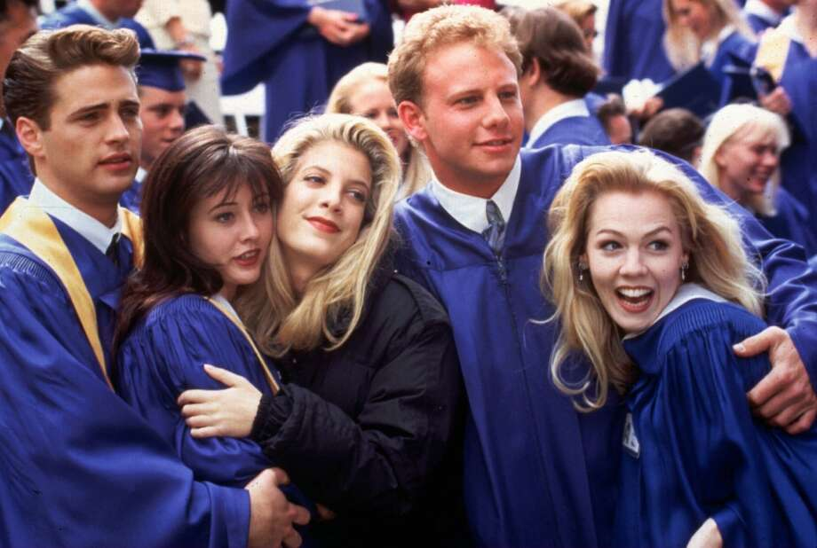 Hate-watched Shannen Doherty as ''Brenda'' in ''90210.'' (The show debuted in 1990).