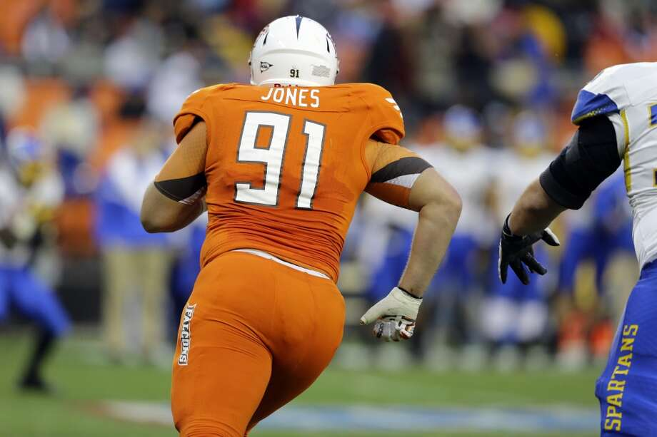 6th roundBowling Green defensive tackle Chris Jones pursues a play. Photo: Alex Brandon, ASSOCIATED PRESS