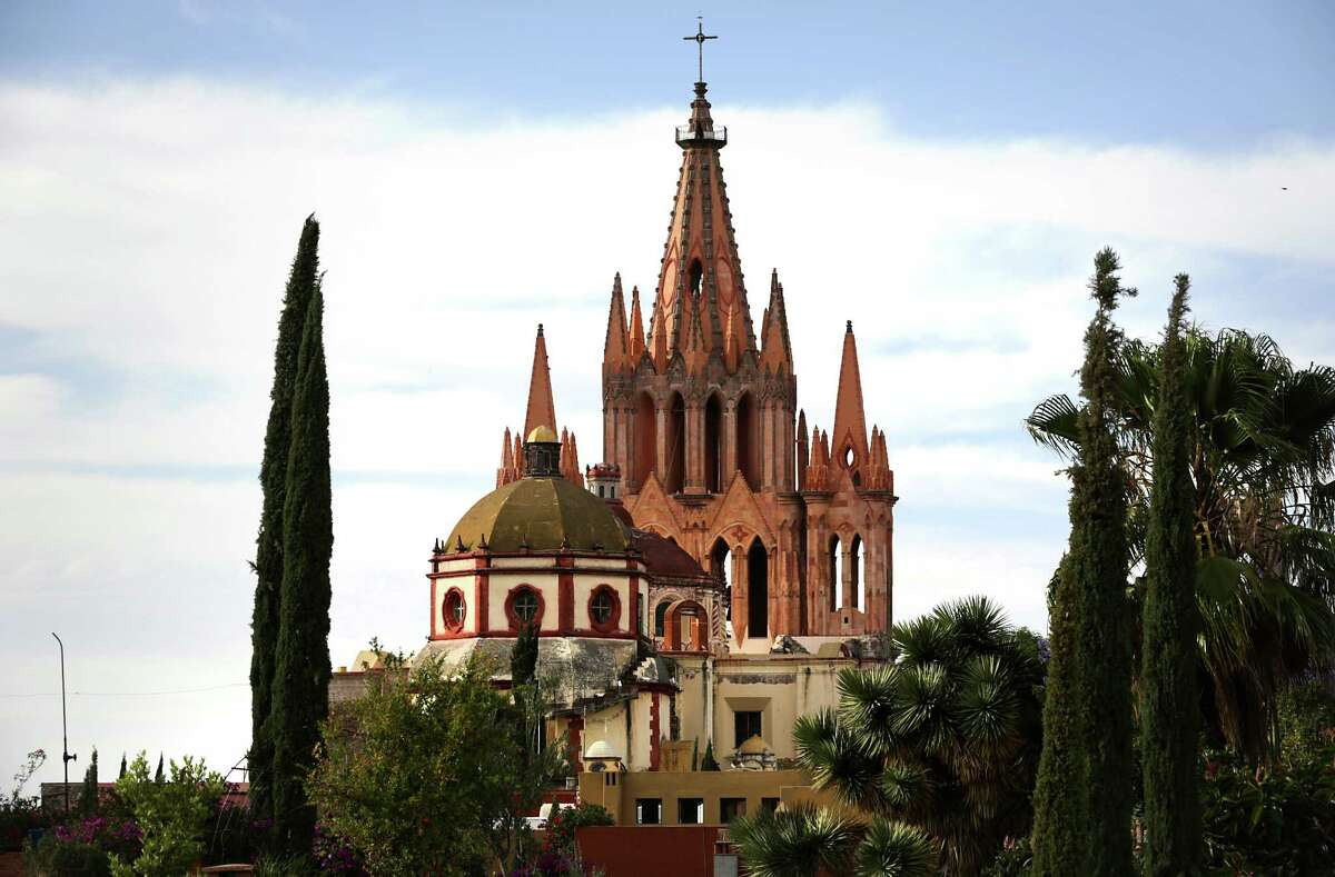 8.San Miguel de Allende : This colonial town is filled with charming Baroque/Neoclassical architecture and winding cobblestone streets. Check out art at the markets and visit El Jardin (Zocalo), a plaza with gardens, food carts and shopping.