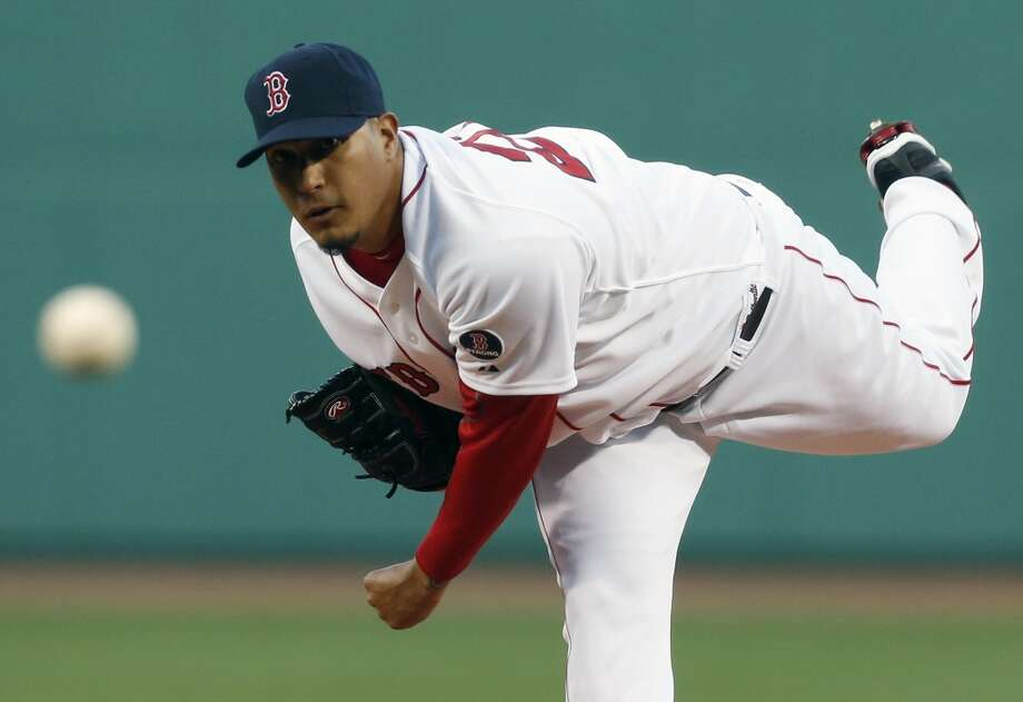 Felix Doubront pitches in the first inning. Photo: Michael Dwyer, Associated Press
