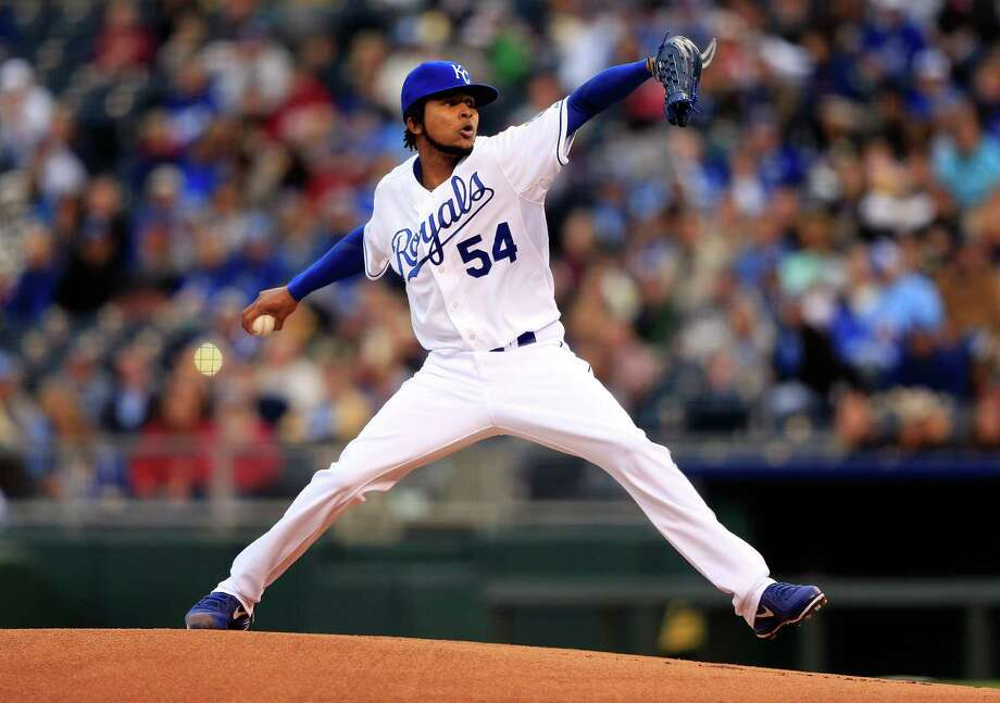 KANSAS CITY, MO - APRIL 27:  Starting pitcher Ervin Santana #54 of the Kansas City Royals pitches during the 1st inning of the game against the Cleveland Indians at Kauffman Stadium on April 27, 2013 in Kansas City, Missouri.  (Photo by Jamie Squire/Getty Images) Photo: Jamie Squire