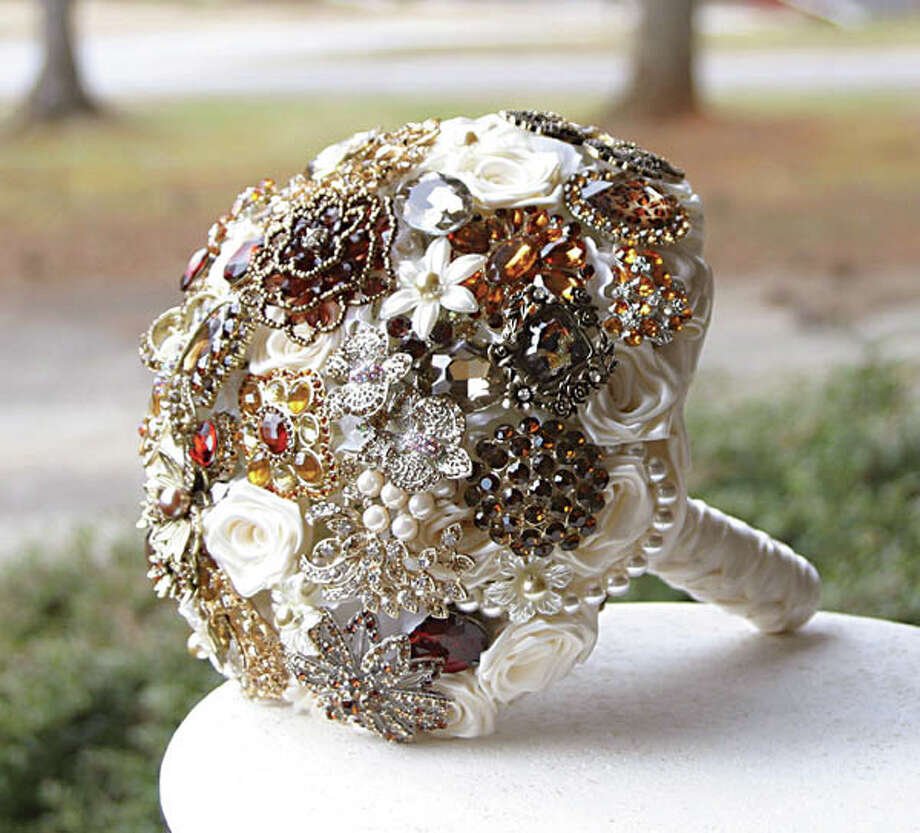 Brooch Bouquet A new alternative to the traditional flower bouquet, brooch bouquets are forever. These bouquets can be custom made to match your wedding colors and add a vintage glam to your walk down the aisle. Bridesmaids bouquets, boutonnières and corsages are also available at the