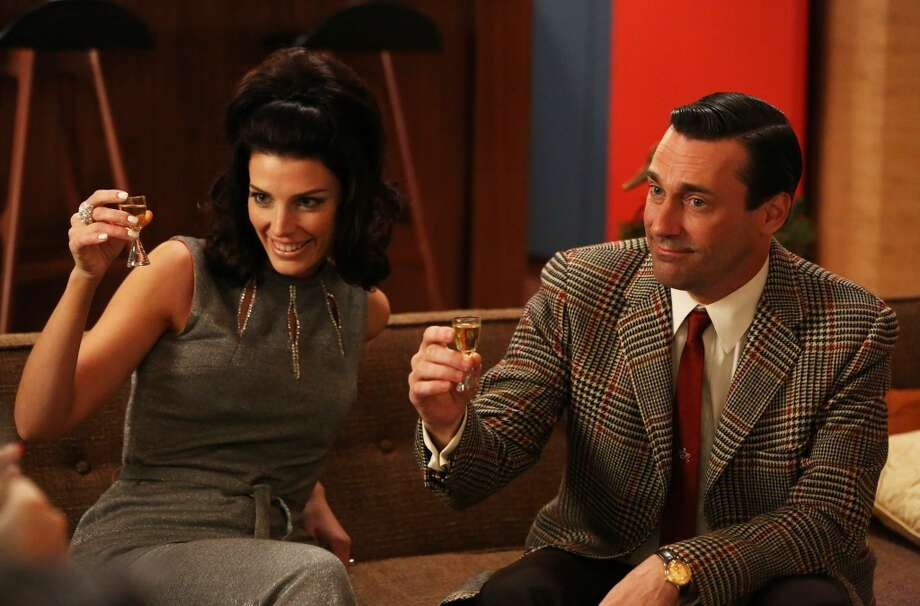 'Mad Men': These sexy, retro costumes continue to influence contemporary trends.