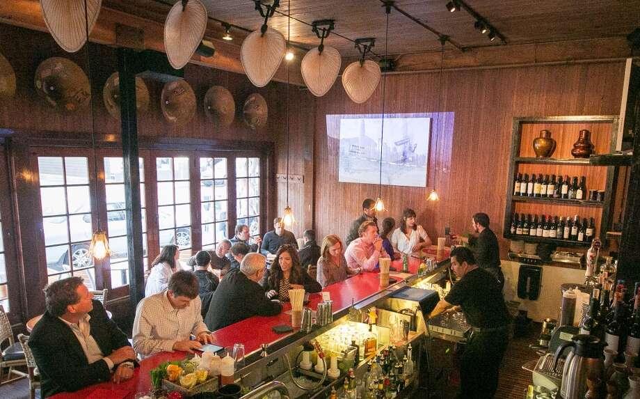 The bar at Hutong.