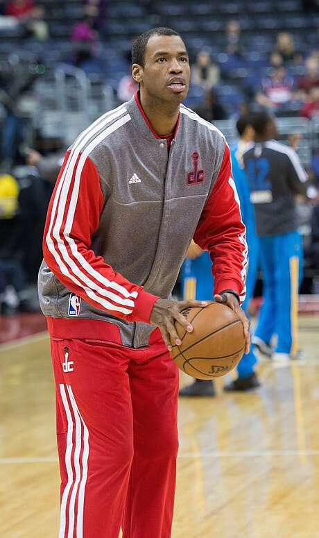 Washington Wizards center Jason Collins (98) warms up before their game against the New Orleans Hornets. Photo: Harry E. Walker, McClatchy-Tribune News Service