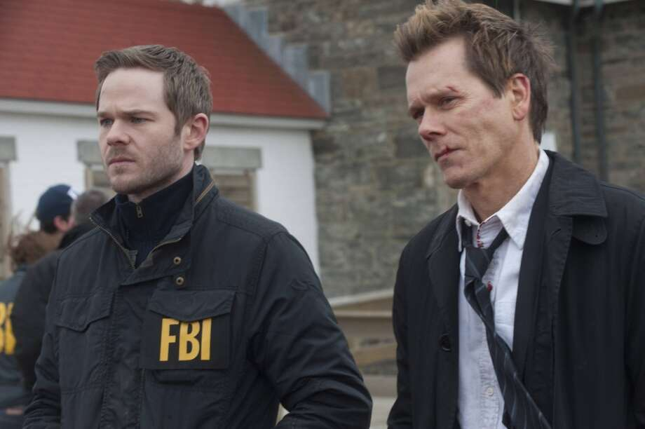 Ryan Hardy (Kevin Bacon) and FBI agent Weston (Shawn Ashmore) in hot pursuit of Claire and Joe in finale.