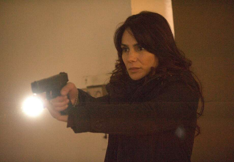 Will special agent Parker (Annie Parisse) get out of her deadly predicament?