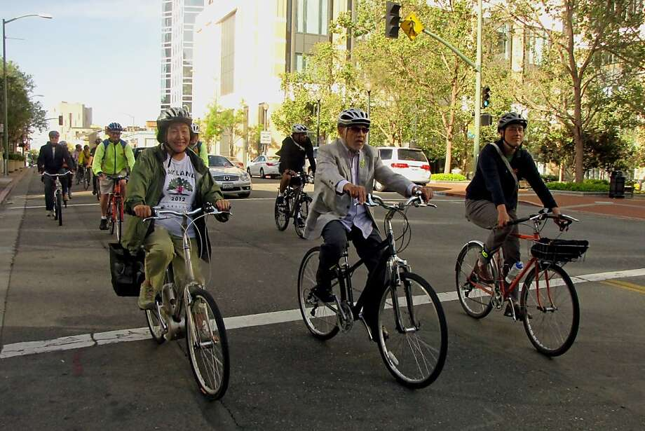 Bay Area riders pedal toward work in big numbers. Next Thursday marks a day of advocacy for the bicycle as transportation. Photo: Courtesy East Bay Bicycle Coalit