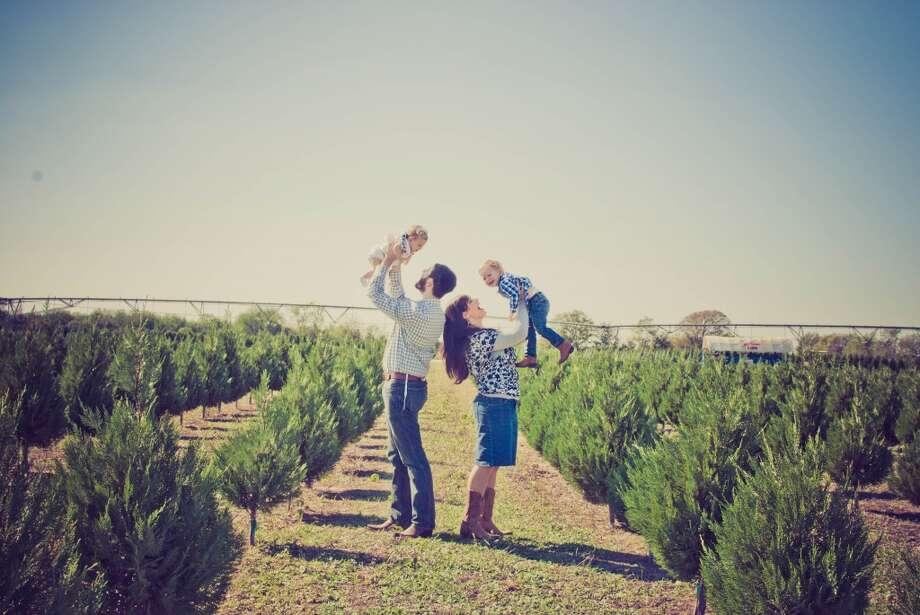 Family photos at Dewberry Farm in Brookshire. Photo: Elisheva Golani Photography