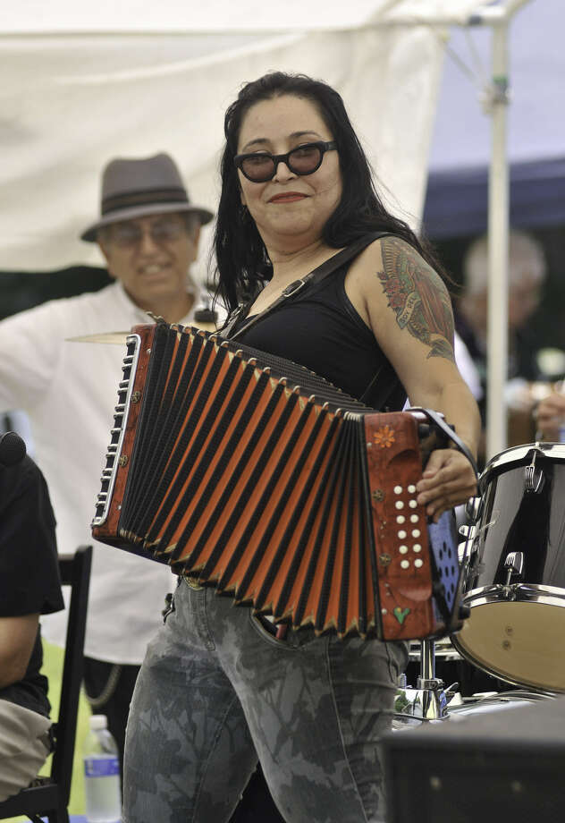 Mari Barrera performs during last year's Paseo por el Westside Festival. This year's festival will be Saturday. Photo: San Antonio Express-News File Photo