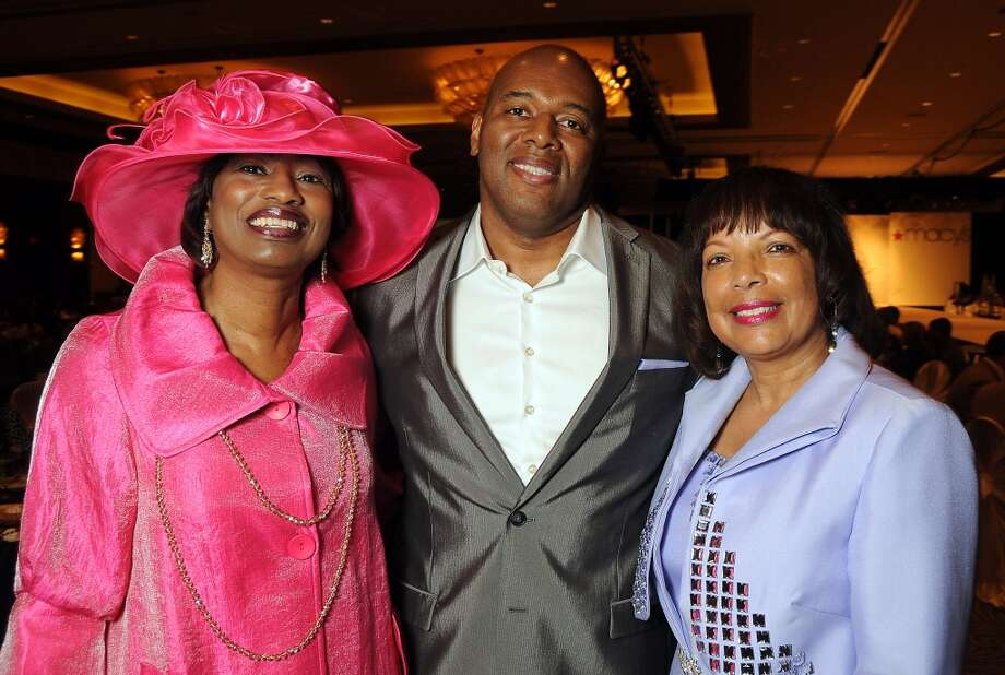 Chairs Glenda Hopkins, Lamar Frazier and Mittie Anderson (Dave Rossman photo)
