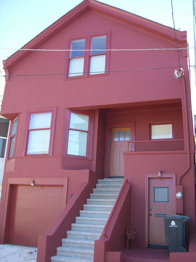 Another view of The International Orange House.  Neighborhood: Bernal Heights(Precita and Shotwell).  Incidentally, the home is owned by the Bernalwood blog writer, Todd Lappin, who also allowed use of this photo of his home.