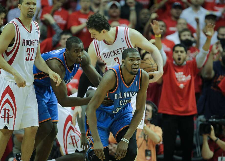 Thunder forward Kevin Durant reacts after a foul was called on him during the fourth quarter. Photo: James Nielsen, Houston Chronicle