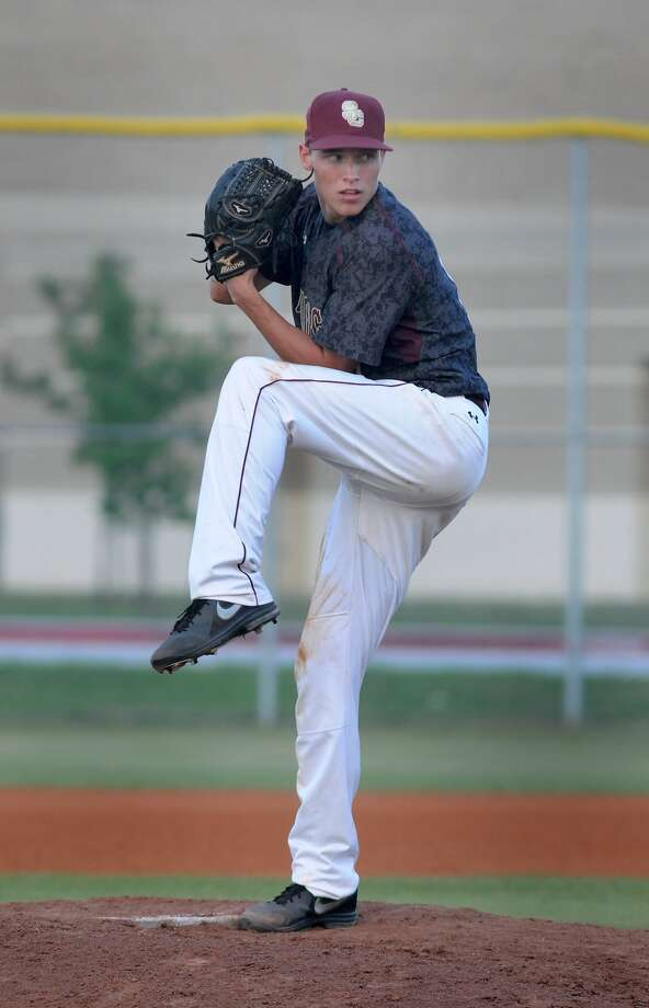 Summer Creek's Tyler Flynt works the mound against Dayton. Photo: Jerry Baker, Freelance