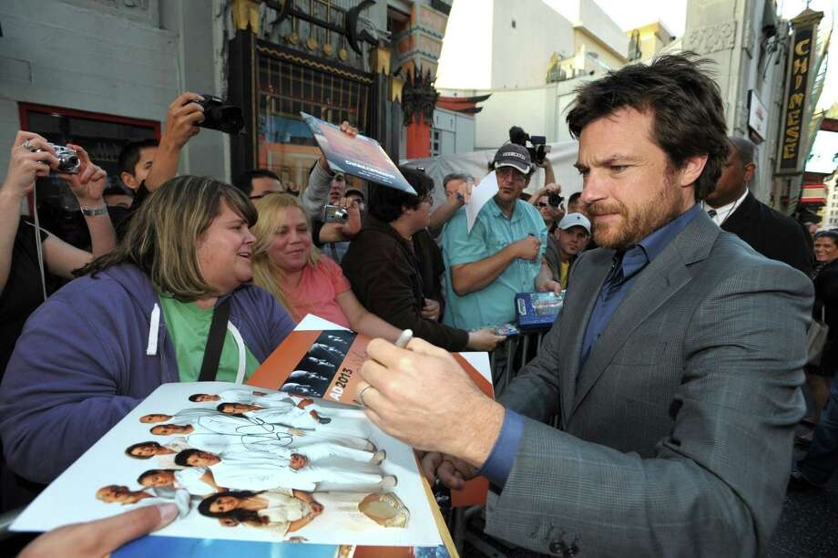 "Jason Bateman greets fans at the season four premiere of ""Arrested Development"" at the TCL Chinese Theatre on Monday, April 29, 2013 in Los Angeles. Photo: John Shearer, John Shearer/Invision/AP / Invision"
