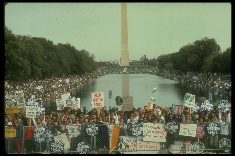 1989: Crowd at pro-choice rally, re possible Supreme Court reversal of Roe v. Wade decision. Photo: Andrew Holbrooke, Getty Images / Andrew Holbrooke