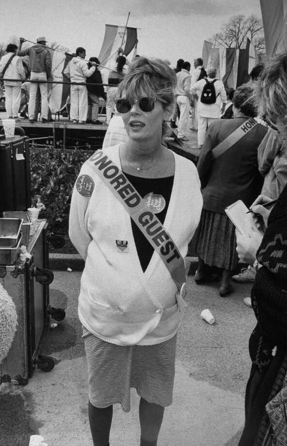 1989: Susan Sarandon wearing sash saying Honored Guest at pro-choice demo. Photo: Robert Sherbow, Getty Images / Robert Sherbow