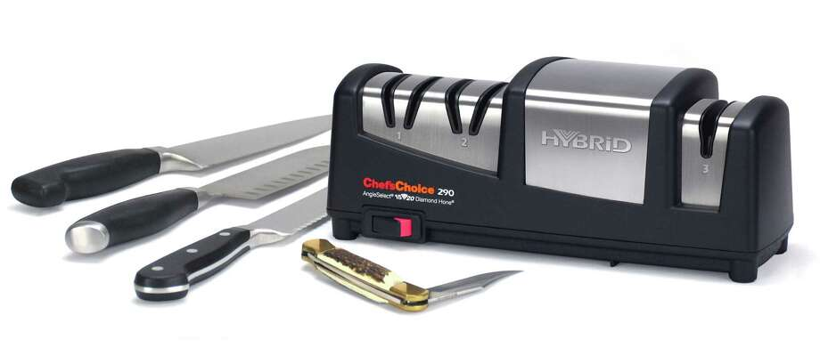 Chef'sChoice new Hybrid AngleSelect Diamond Hone 290 is a knife sharpener that provides razor sharp edges at both 15 degree and 20 degree class knives. Photo: Chef'sChoice / Chef'sChoice