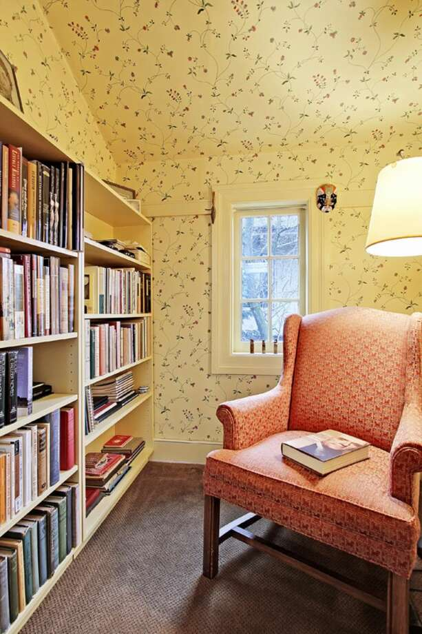 Reading nook of 2833 Broadway E. The 3,706-square-foot house, built in 1909, has five bedrooms, 2.75 bathrooms, a kitchen sitting area, a den, a second kitchen, a wine cellar, a front porch and a deck on a 5,500-square-foot lot. It's listed for $985,000. Photo: Courtesy Jan Selvar, Windermere Real Estate