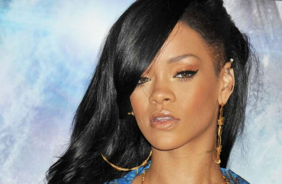 The half-shaved head Rihanna.