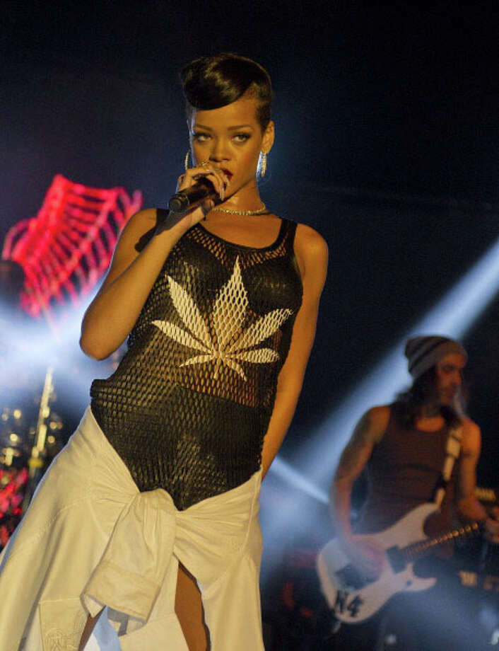 Devil('s) Weed.  Rihanna on tour. Photo: Target Presse Agentur Gmbh, Getty Images / 2012 Target Presse Agentur Gmbh