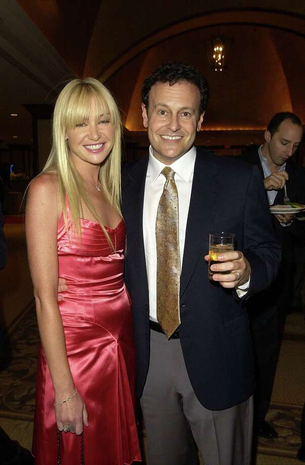 Mitchell Hurwitz, executive producer, pictured with Portia de Rossi in 2003. Photo: Michael Caulfield Archive, Getty Images / WireImage