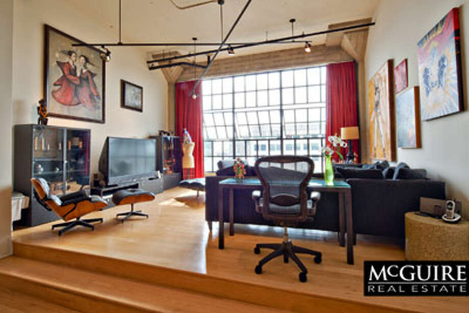 Built in 1907, the old warehouse building Clocktower, has been converted to spacious lofts. / Winston Wang