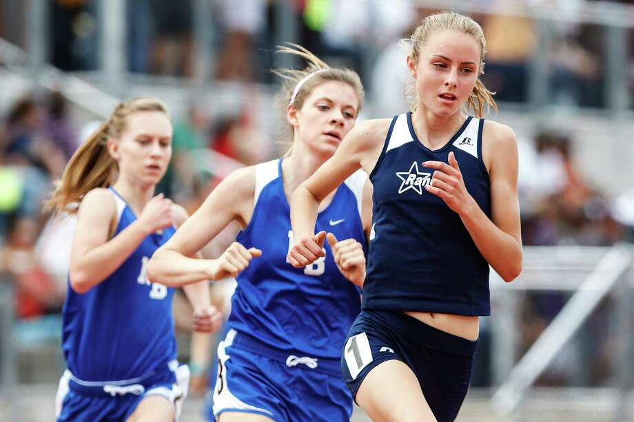 Smithson Valley's Devin Clark (right) claimed district, area and regional titles in the 1,600- and 3,200-meter races this past season. Marvin Pfeiffer / San Antonio Express-News Photo: MARVIN PFEIFFER, Marvin Pfeiffer / Prime Time New / Prime Time Newspapers 2013