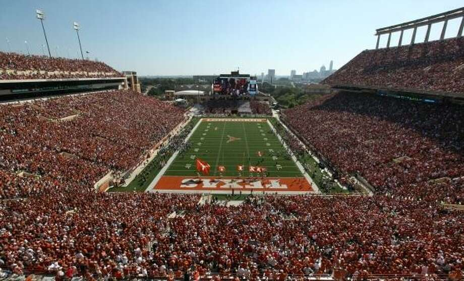 The Wall Street Journal reports Texas fans drink more beer - or at least buy more beer - than any other fans in the nation for college football.Continue clicking to see the nation's top party schools, according to Niche.