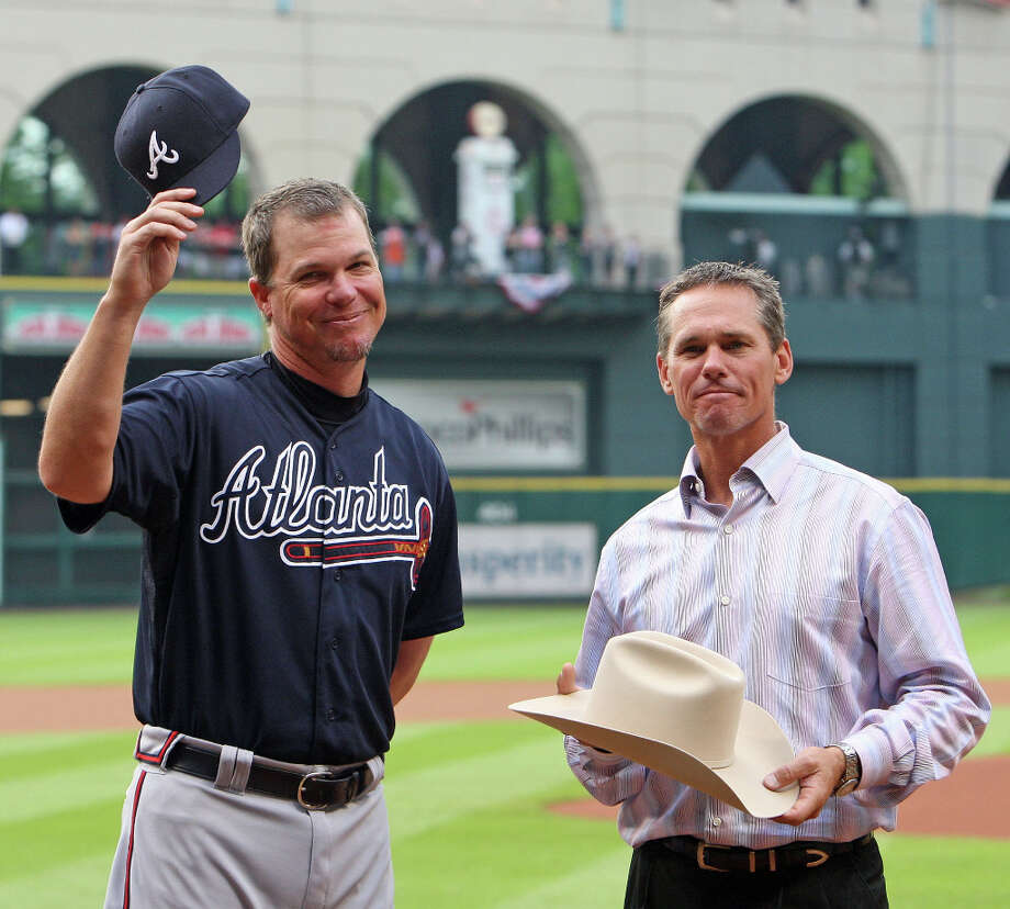 Biggio and the Astros paid tribute to Chipper Jones of the Braves for his contributions to the sport on April 9, 2012. Photo: James Nielsen, © 2012 Houston Chronicle / © 2012 Houston Chronicle