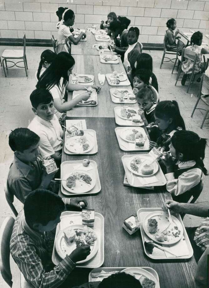 School lunch in 1971. (Photo By Dave Buresh/The Denver Post via Getty Images)