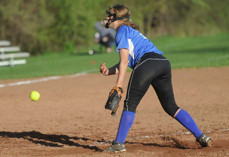 Darien pitcher Erika Osherow pitches during Darien's 5-0 victory over Danbury at Danbury High School in Danbury, Conn. on Wednesday, May 1, 2013.  Osherow tossed a complete game shutout while notching 11 strikeouts. Photo: Tyler Sizemore / The News-Times