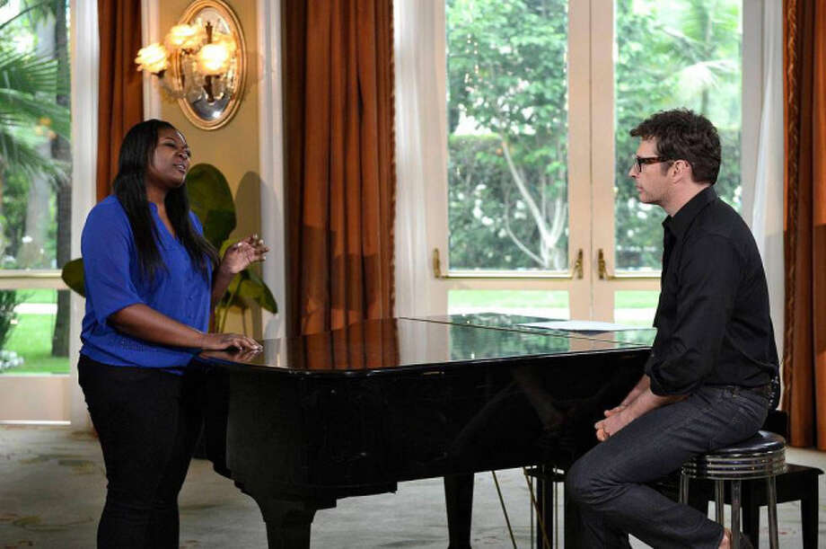 AMERICAN IDOL: Multi-talented artist Harry Connick, Jr mentors the final 4 on AMERICAN IDOL airing Wednesday, May, 1 (8:00-10:00 PM ET/PT) on FOX. Pictured: Candice Glover (L) and Harry Conick, Jr. (R). CR: Michael Becker / FOX. Copyright: FOX.