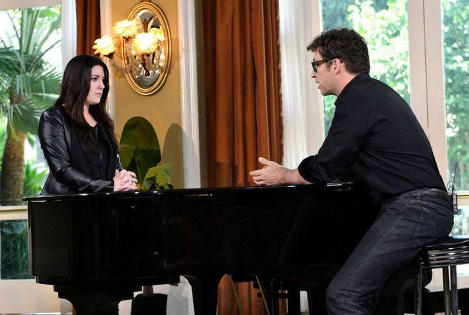 AMERICAN IDOL: Multi-talented artist Harry Connick, Jr mentors the final 4 on AMERICAN IDOL airing Wednesday, May, 1 (8:00-10:00 PM ET/PT) on FOX. Pictured L-R: Kree Harrison and Harry Conick, Jr. CR: Michael Becker / FOX. Copyright: FOX.