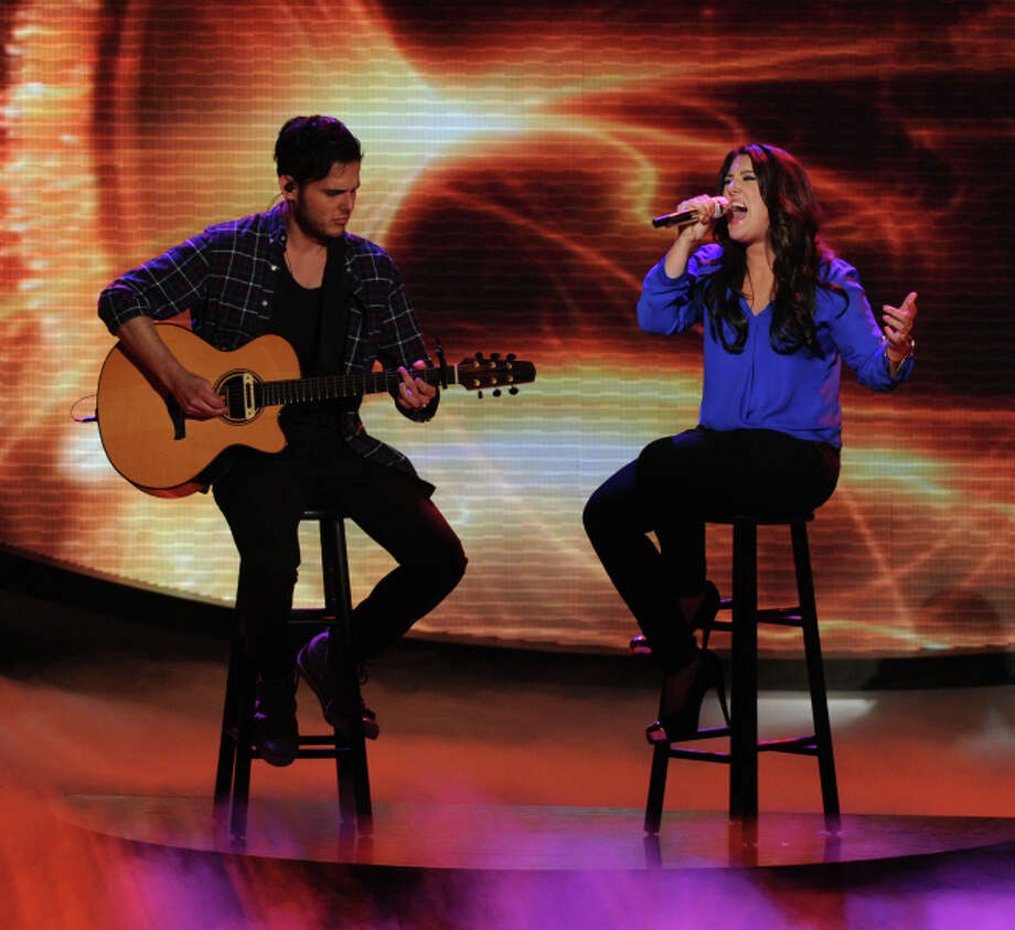 AMERICAN IDOL: Kree Harrison (R) performs on AMERICAN IDOL Wednesday, May 1 (8:00-10:00 PM ET/PT) on FOX. CR: Michael Becker/ FOX. Copyright: FOX.