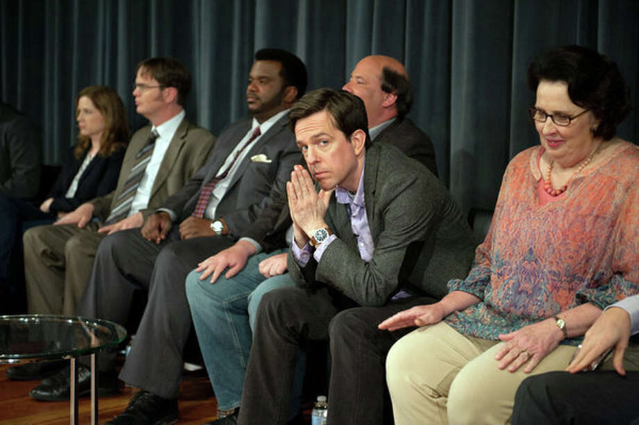 "THE OFFICE -- ""Finale"" Episode 924/925 -- Pictured: (l-r) Jenna Fischer as Pam Beesly Halpert, Rainn Wilson as Dwight Schrute, Craig Robinson as Darryl Philbin, Brian Baumgartner as Kevin Malone, Ed Helms as Andy Bernard, Phyllis Smith as Phyllis Vance -- Photo: NBC, Colleen Hayes/NBC / 2013 NBCUniversal Media, LLC"