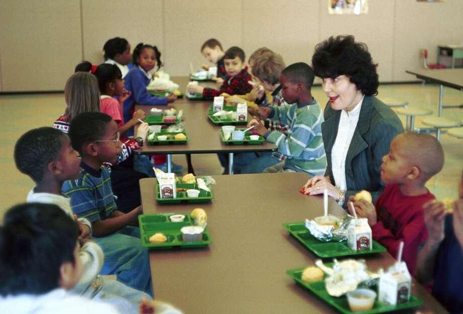 School lunch in 1999. (Photo by Scott J. Ferrell/Congressional Quarterly/Getty Images)