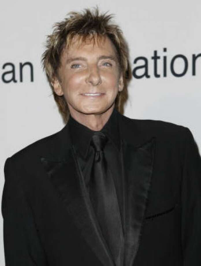 Barry Manilow's face seems a little too feminine. Photo: AP