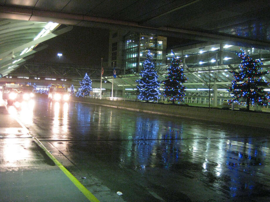 No. 71 - Minneapolis-St. Paul  International Airport - (photo by coolmikeol/Flickr) Photo: Multiple